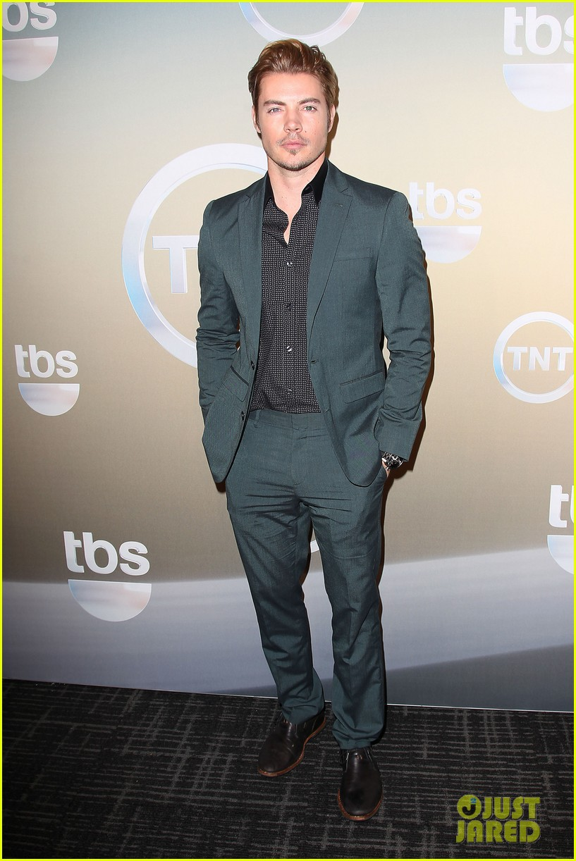 taye diggs eric dane bring sexy factor to tnt tbs upfronts 2014 09