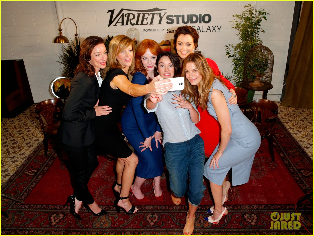 tv drama actresses take silly selfie variety studio 22
