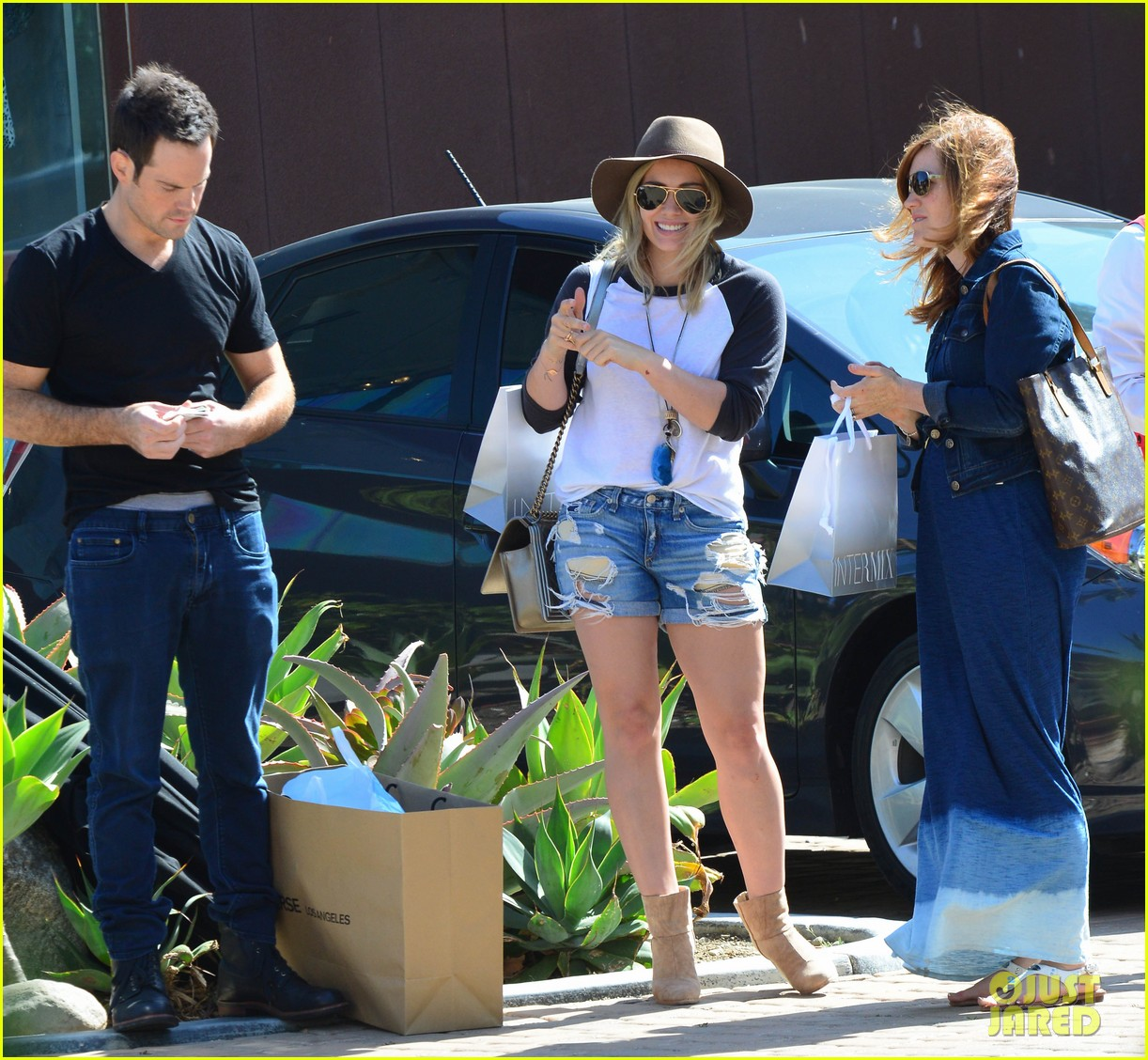 hilary duff mothers day with luca mimosas 043111228