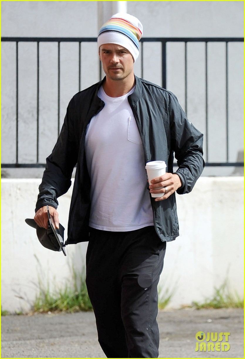 josh duhamel gives a nod to star wars day 09