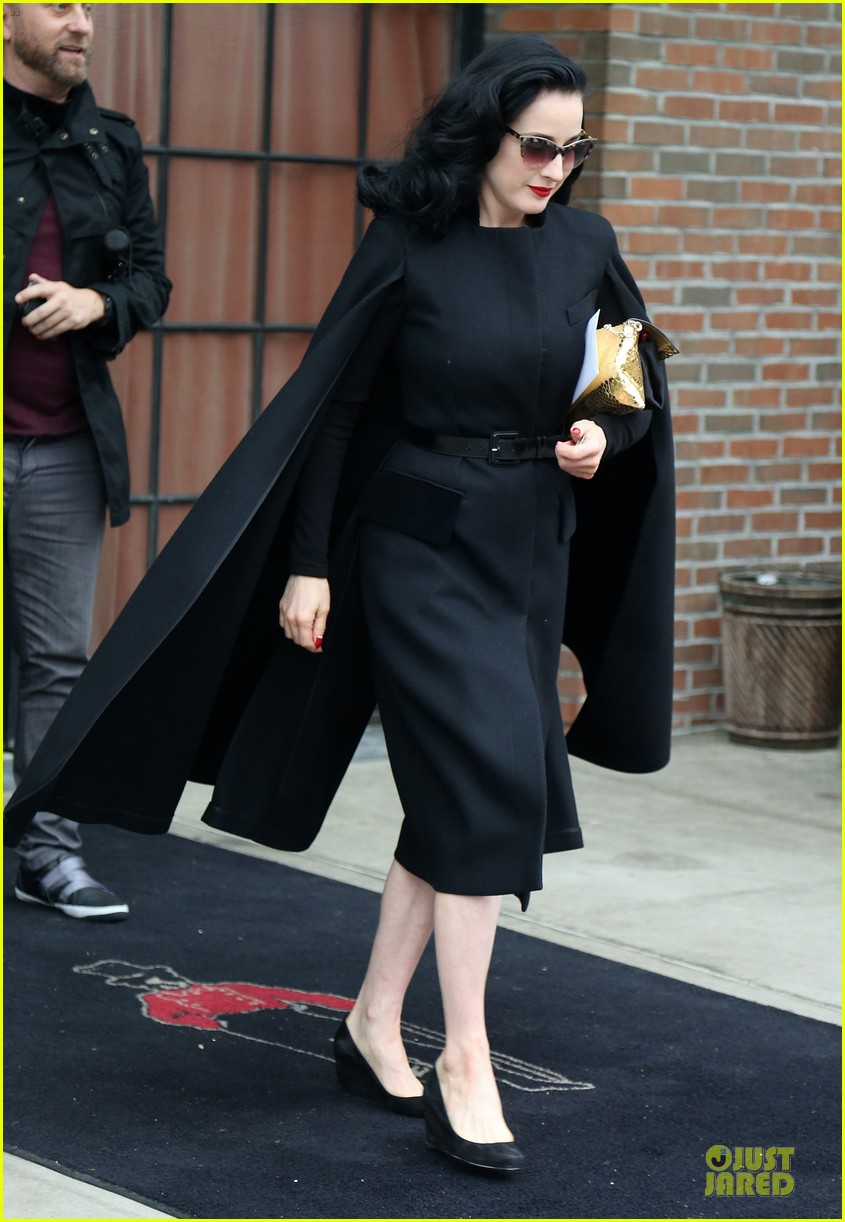 dita von teese went commando at met ball 013109825