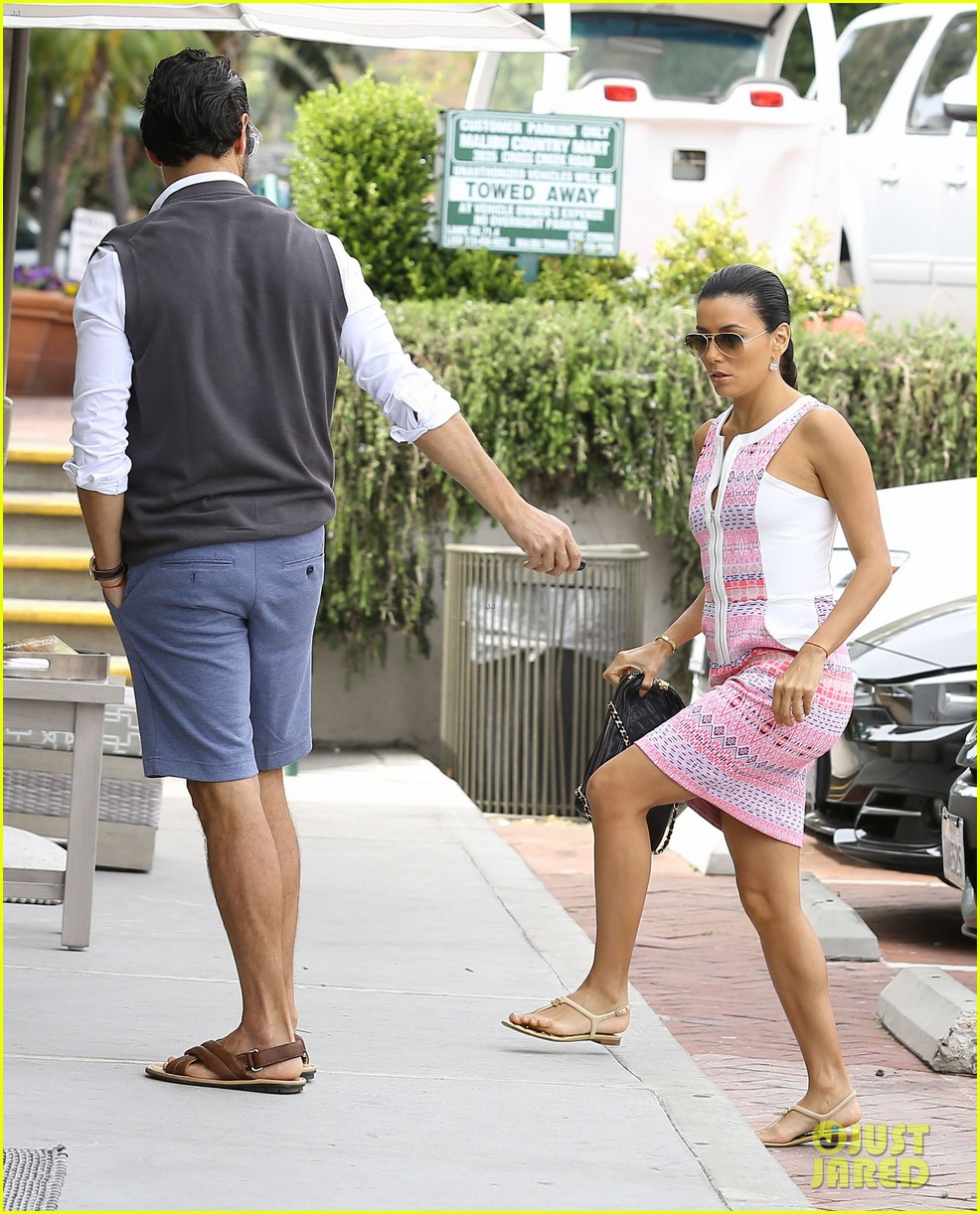 eva longoria cozy shopping boyfriend jose antontio baston 06