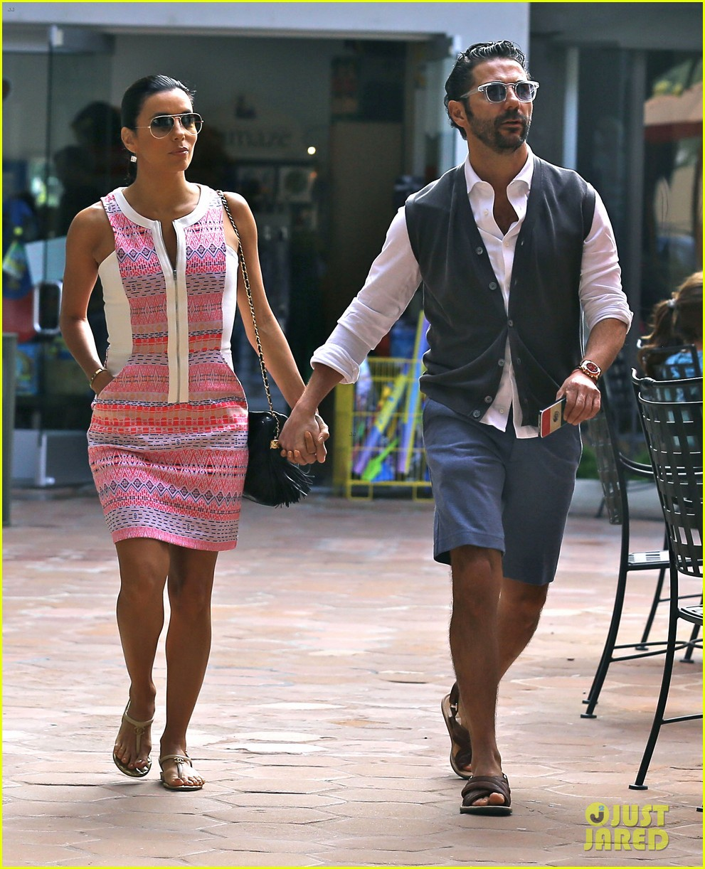 eva longoria cozy shopping boyfriend jose antontio baston 303122042