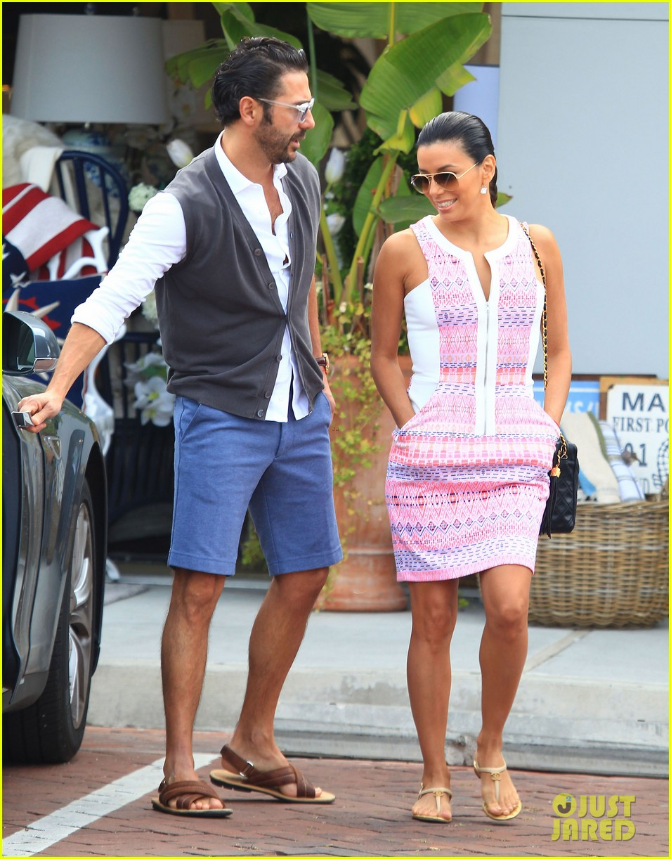 eva longoria cozy shopping boyfriend jose antontio baston 34