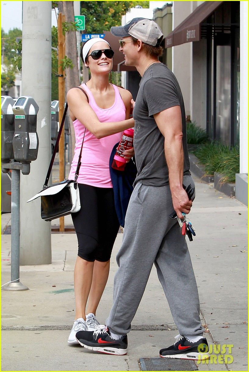 peter facinelli jaimie alexander kiss goodbye after workout 083124947