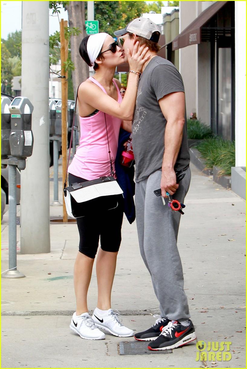 peter facinelli jaimie alexander kiss goodbye after workout 113124950