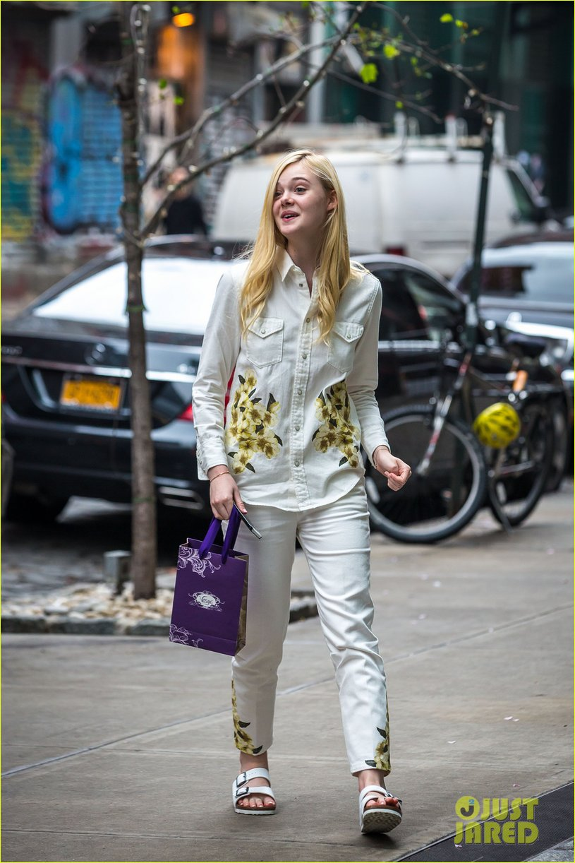 elle fanning soho eat 100 years 143115038