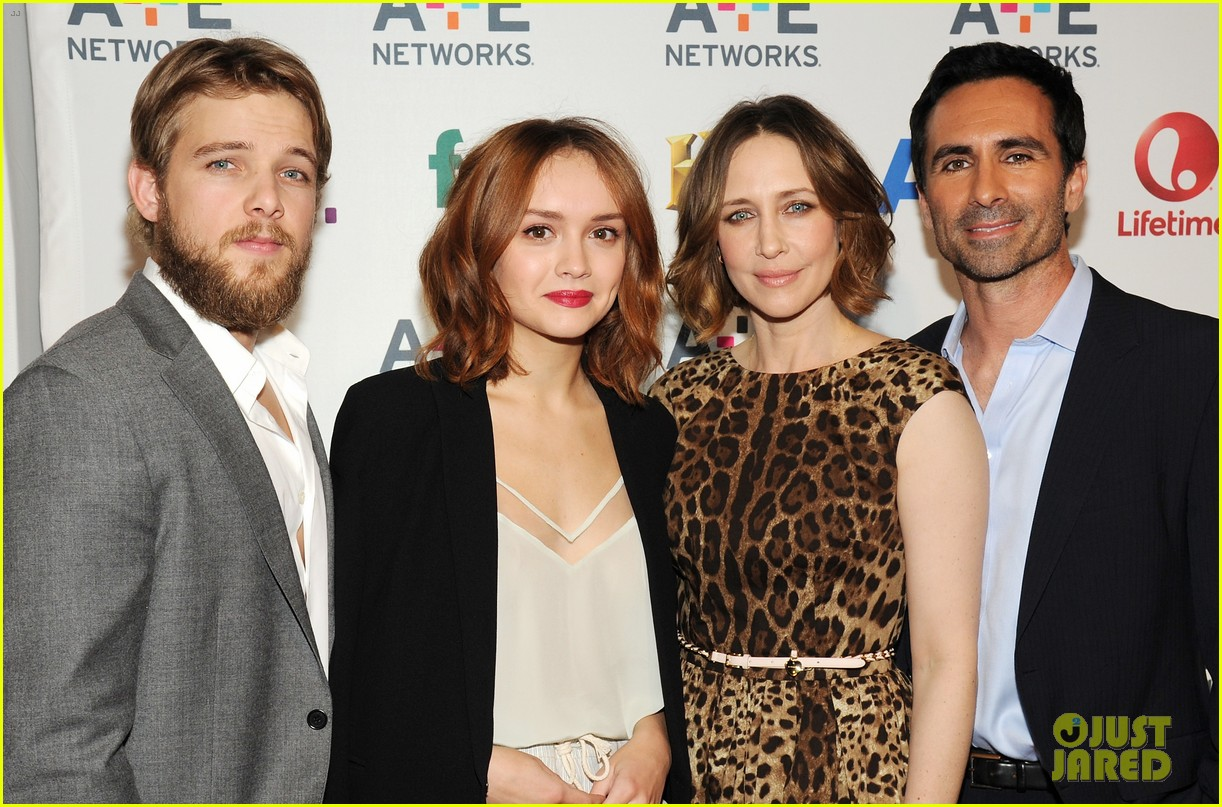 vera farmiga bates motel cast step out at ae upfronts 03