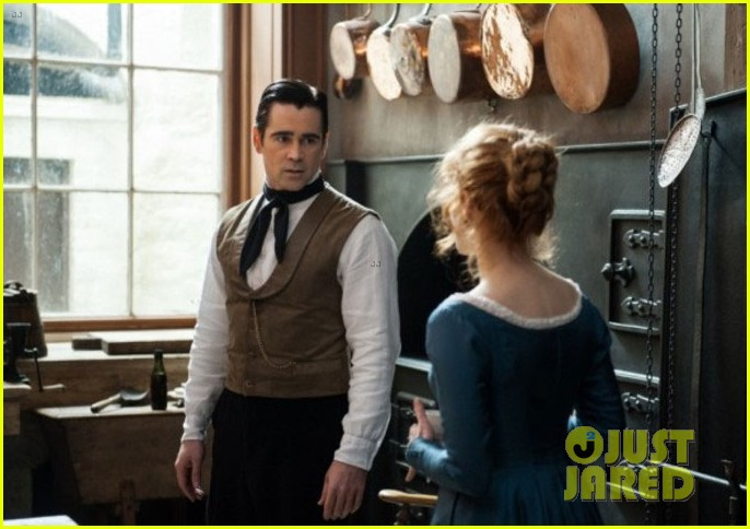 colin farrell kisses jessica chastain in new miss julie still 04