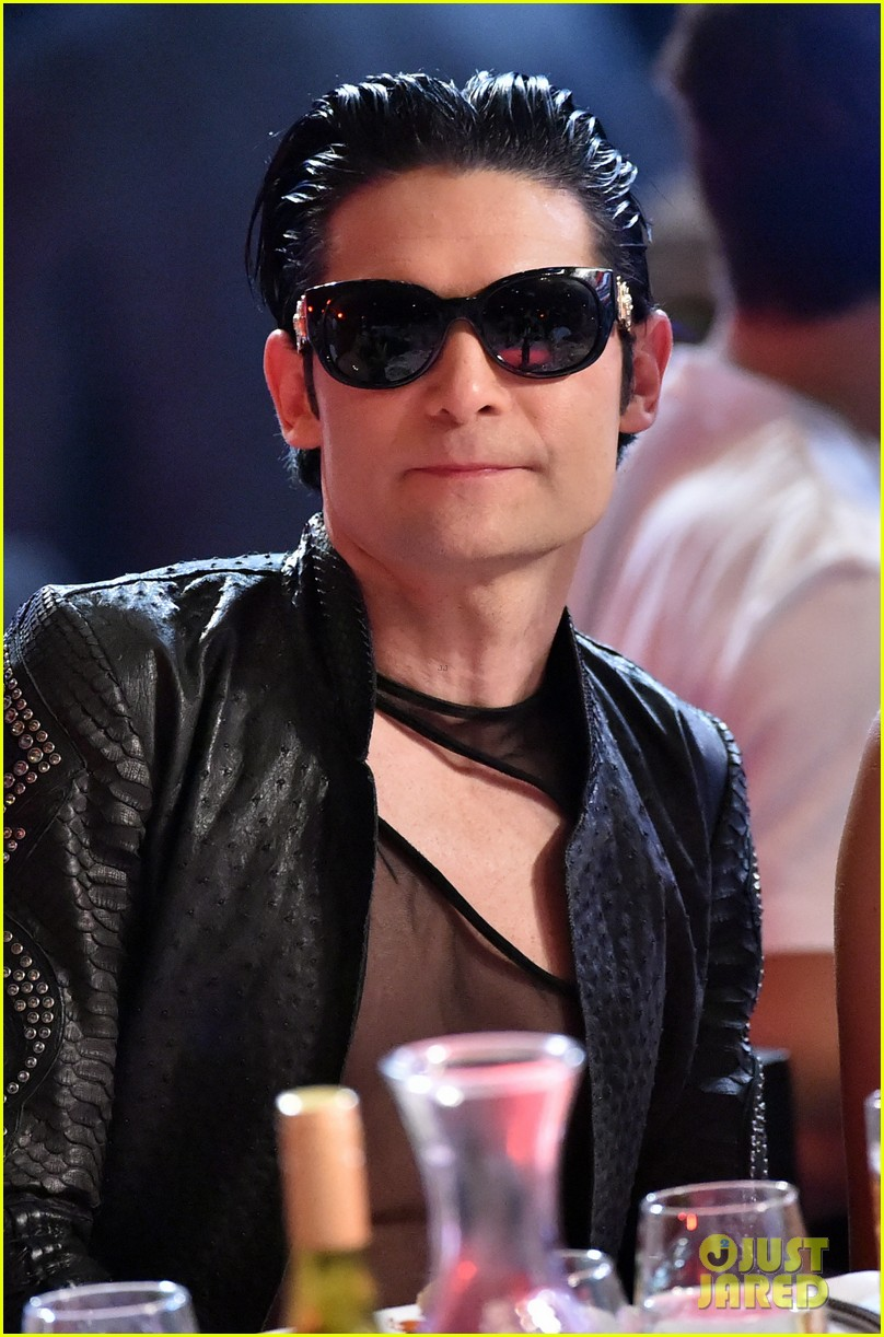 corey feldman iheartradio music awards 2014 04