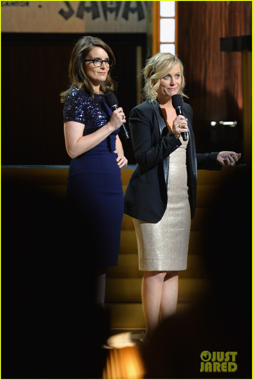 tina fey amy poehler reunite on stage for don rickles one night only all star comedy tribute 083107295
