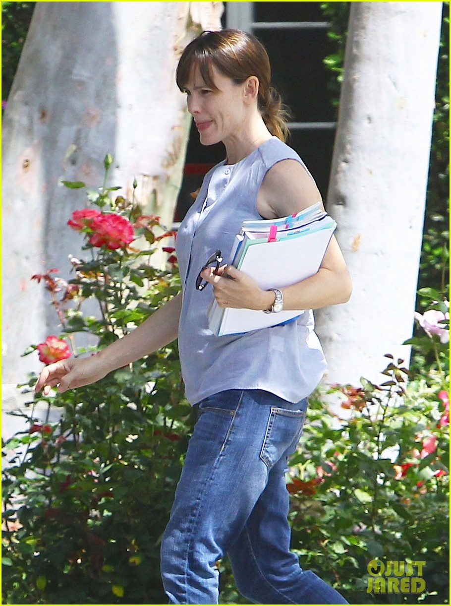 jennifer garner morning workouts improve skin 063124025