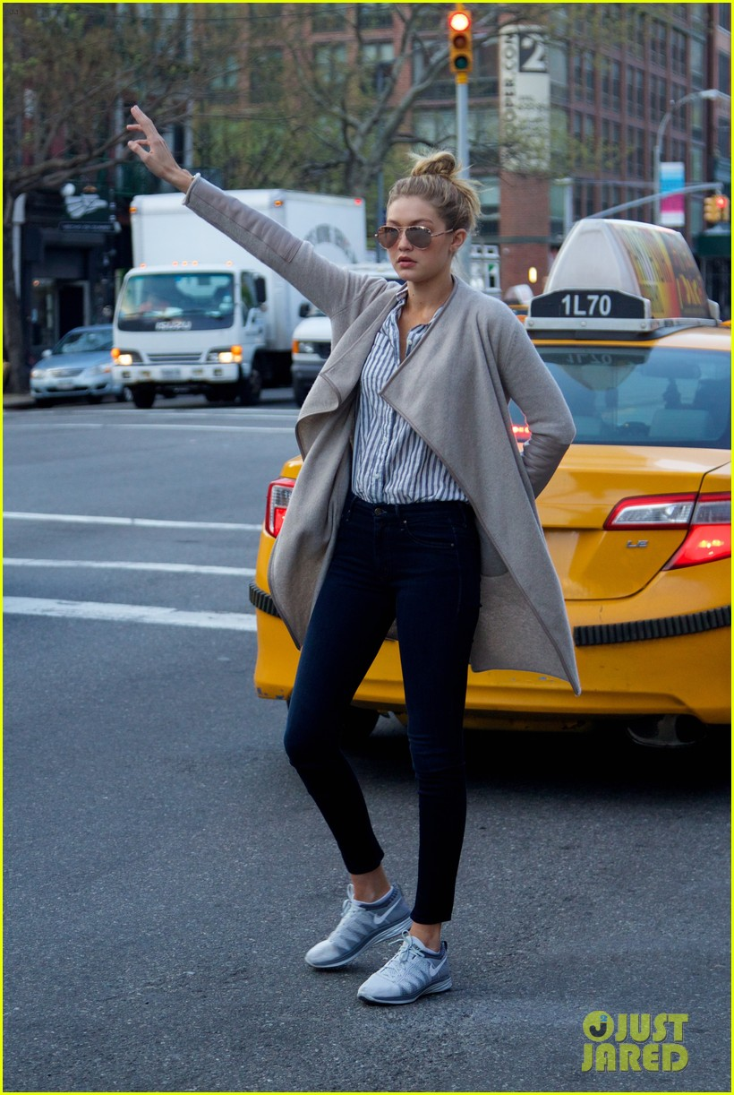 gigi hadid hail taxi late lunch 14