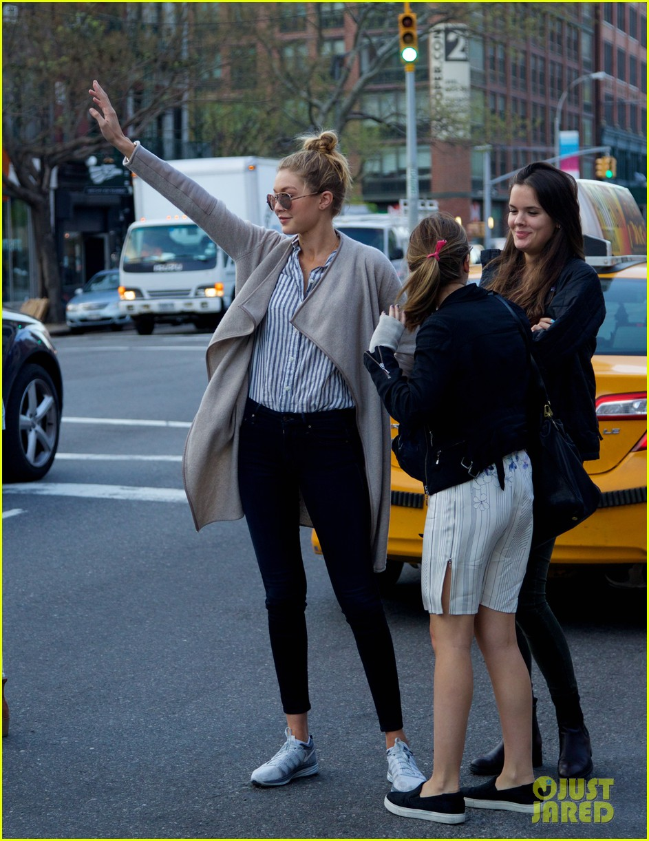 gigi hadid hail taxi late lunch 16