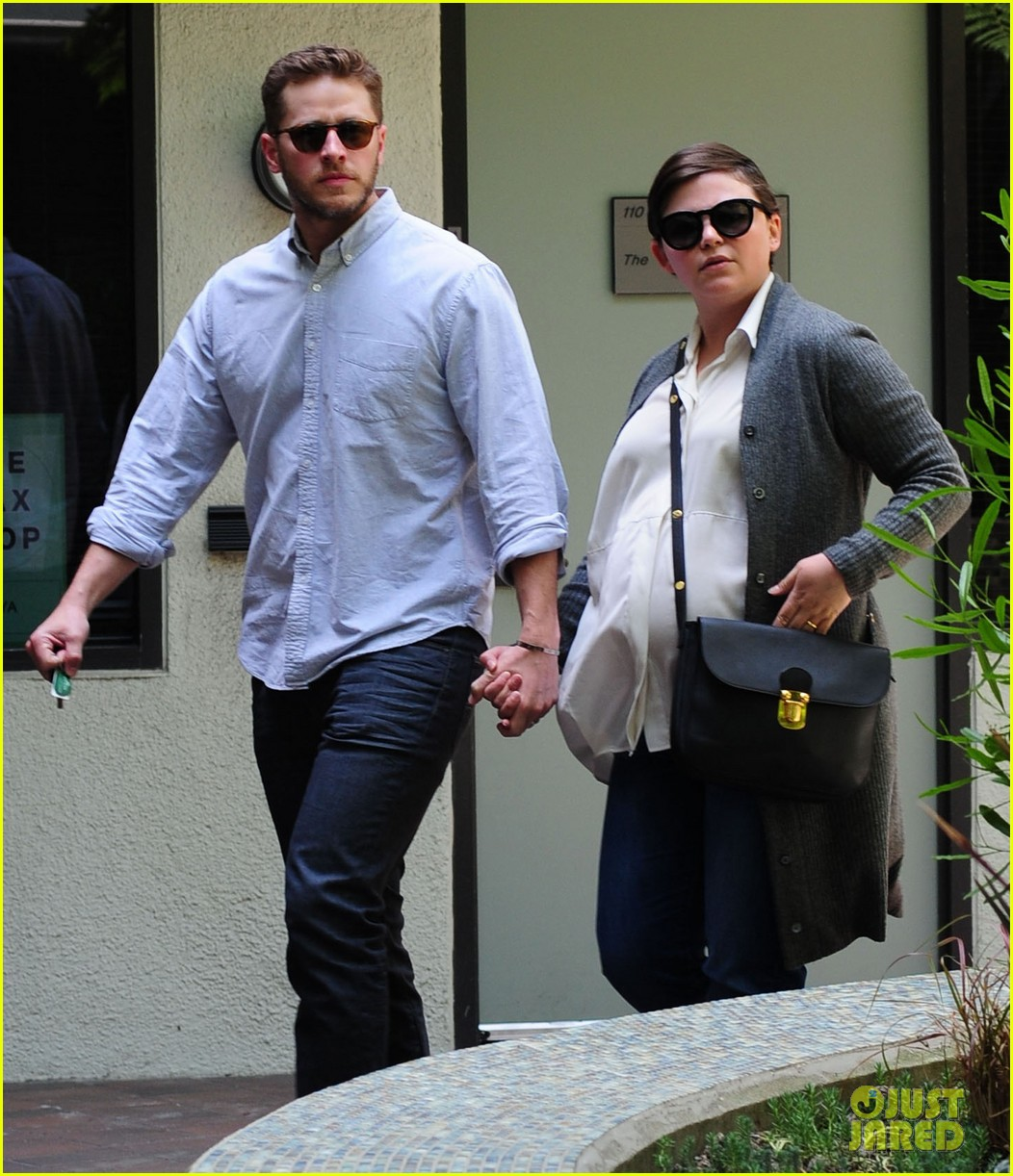ginnifer goodwin looks like she could give birth any day now 013109347