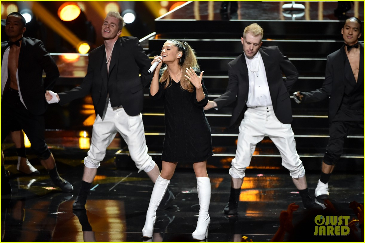 ariana grande iheartradio music awards 2014 16