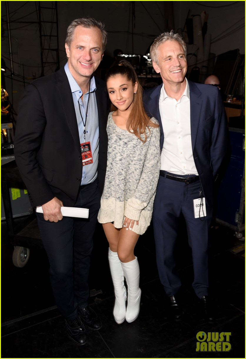 ariana grande wins young influencer award iheartradio 053103648