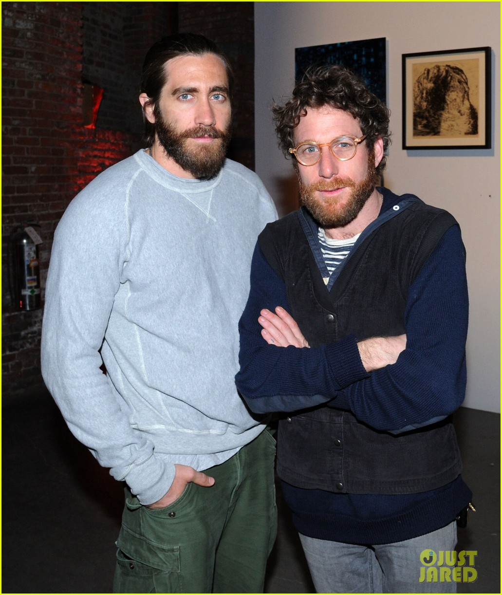 jake gyllenhaal attends first annual village fete fundraiser with sister maggie naomi watts 10