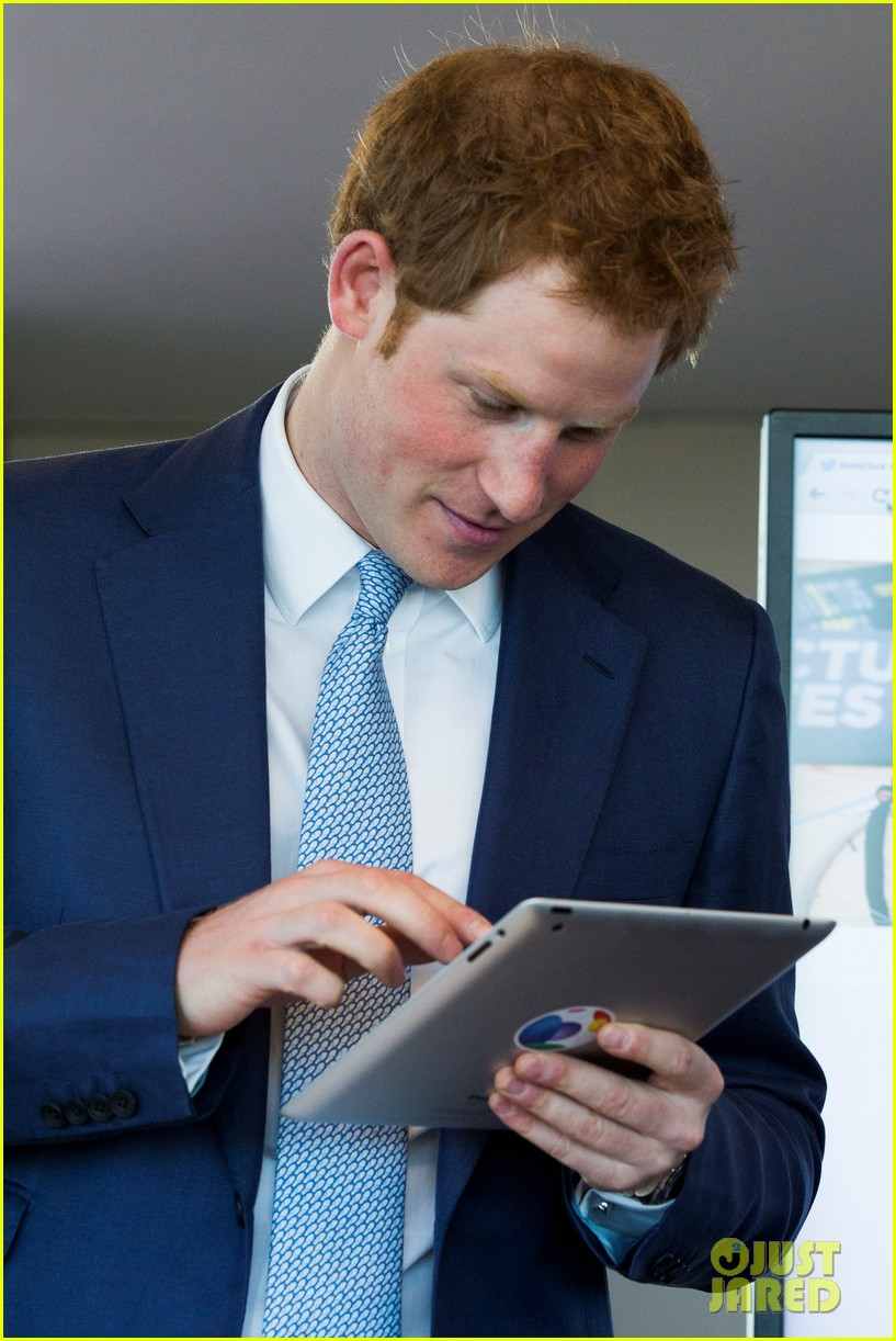 prince harry sends his first tweet ever 083113925