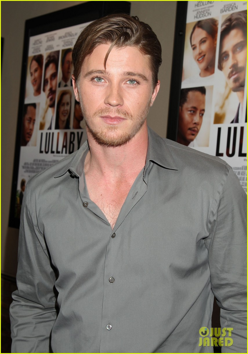garrett hedlunds winning smile will probably cure your hump day blues 013107298