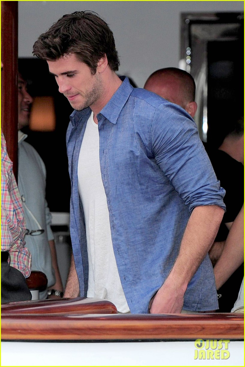 liam hemsworth josh hutcherson hunger games cannes party 093115893