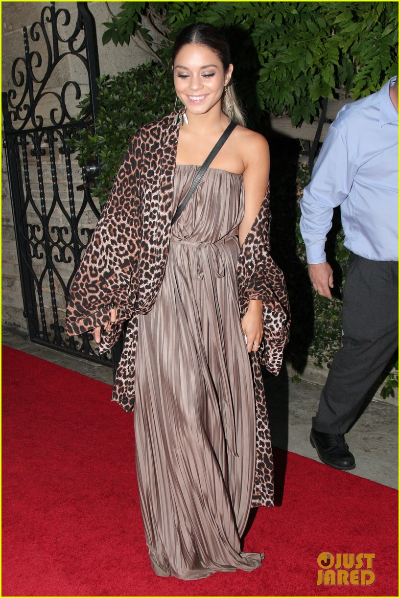 vanessa hudgens supports austin butler geffen playhouse 063124628