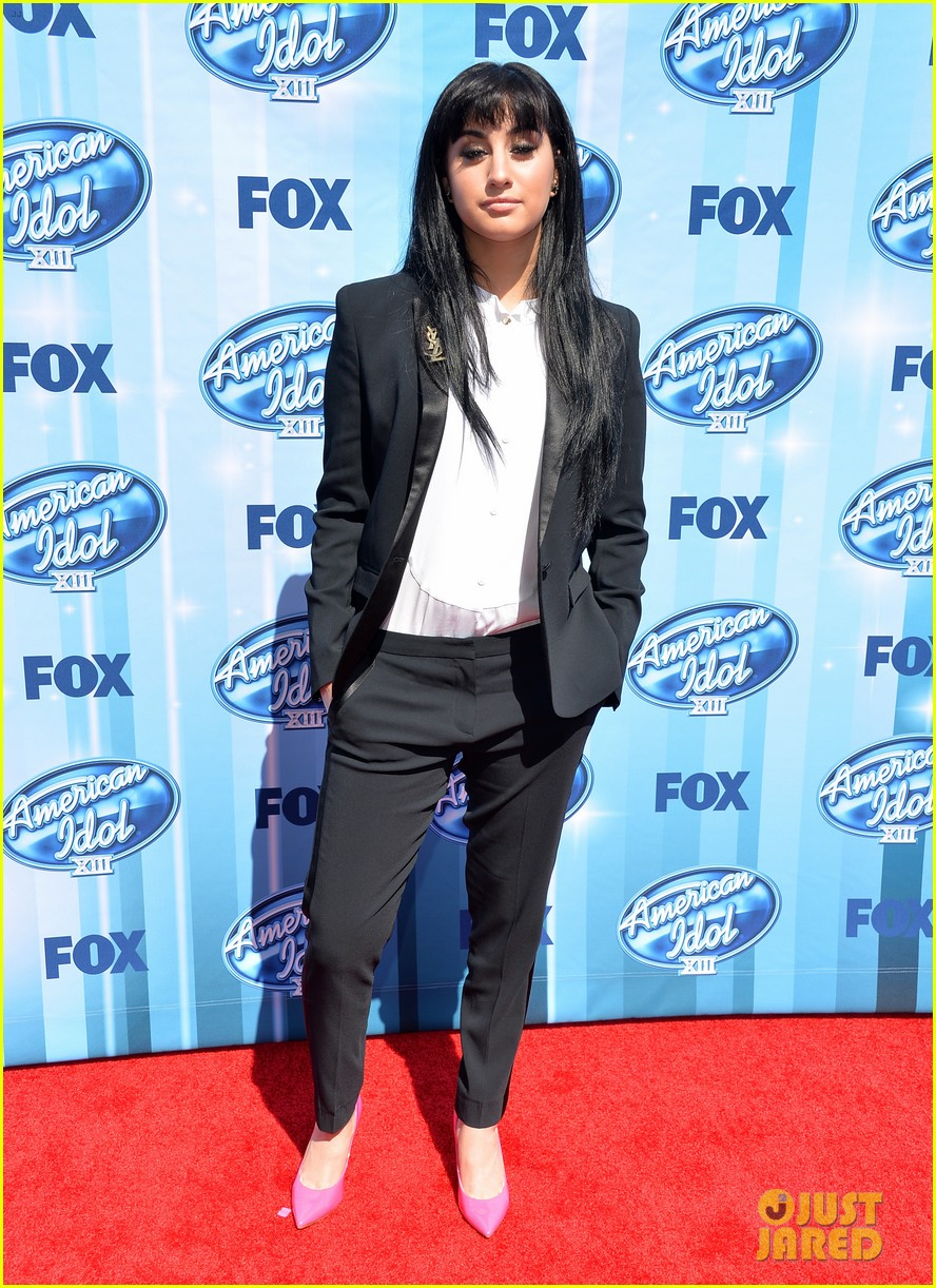 jena irene caleb johnson walk red carpet before american idol finale 013119275