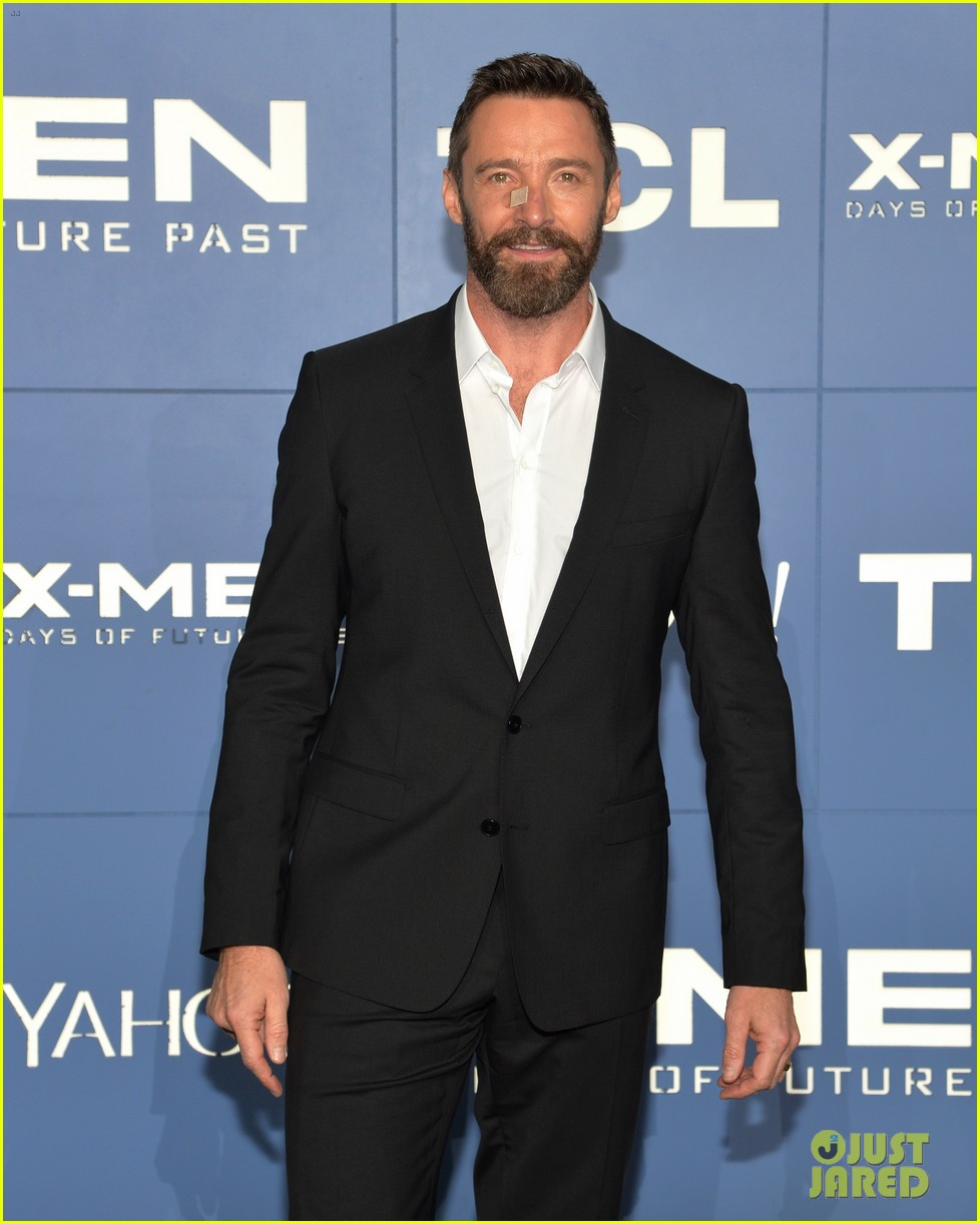 hugh jackman wears bandage on nose to x men premiere 083110319