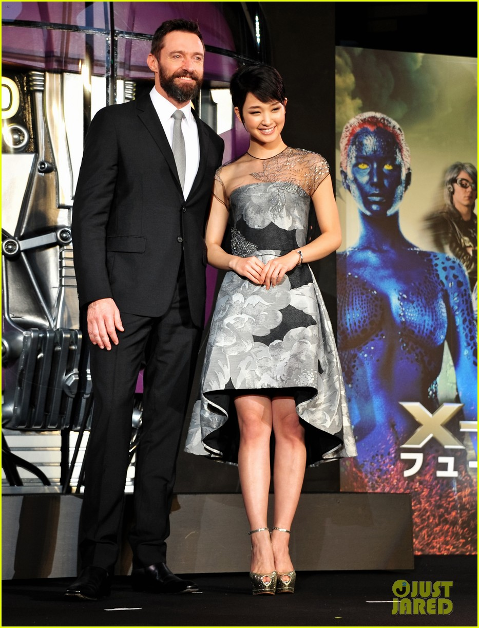 http://cdn04.cdn.justjared.com/wp-content/uploads/2014/05/jackman-tokyoboxo/hugh-jackman-celebrates-x-men-big-weekend-box-office-opening-03.jpg