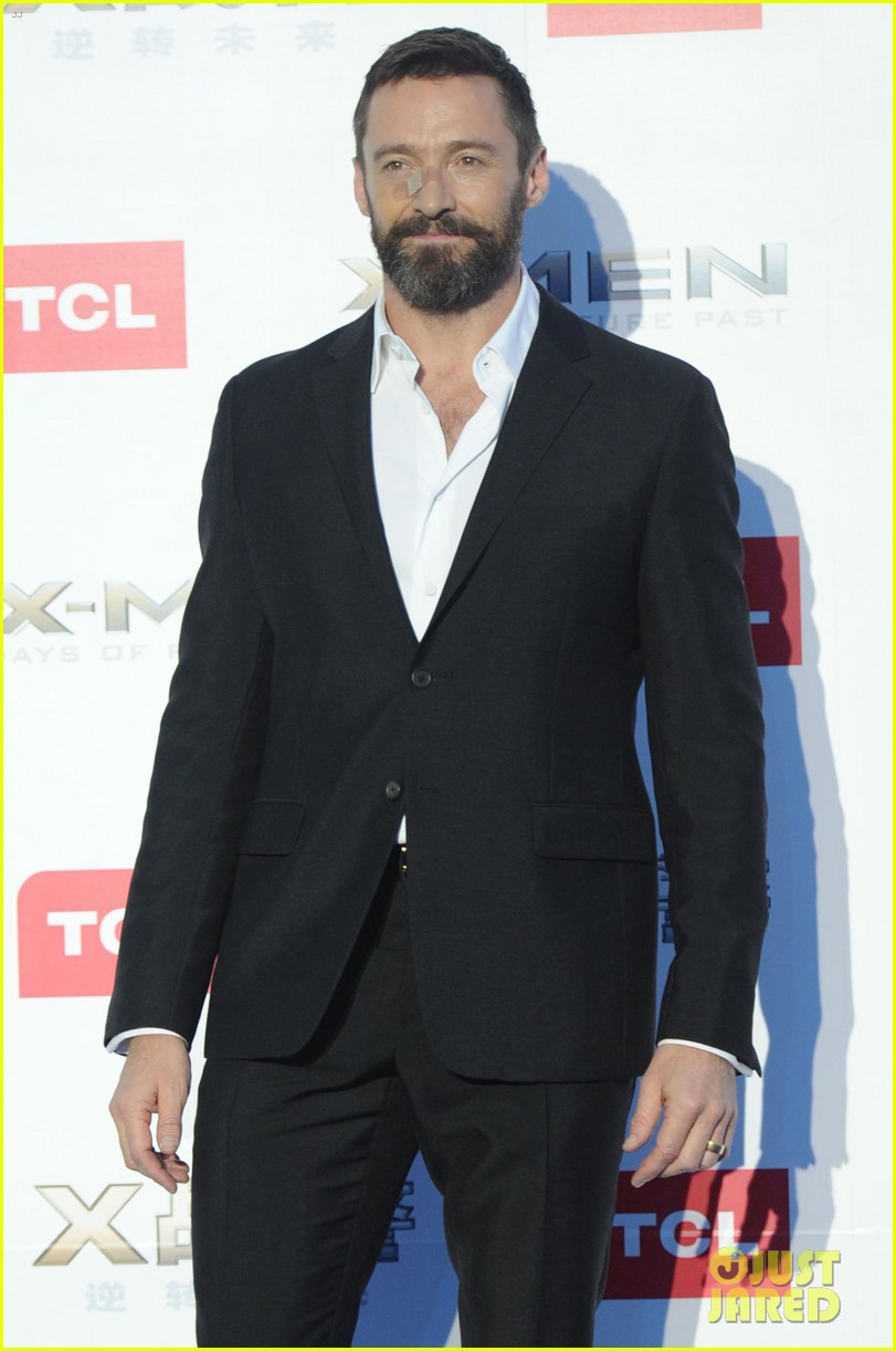 hugh jackman premieres x men with fan bingbing peter dinklage in beijing 013113081