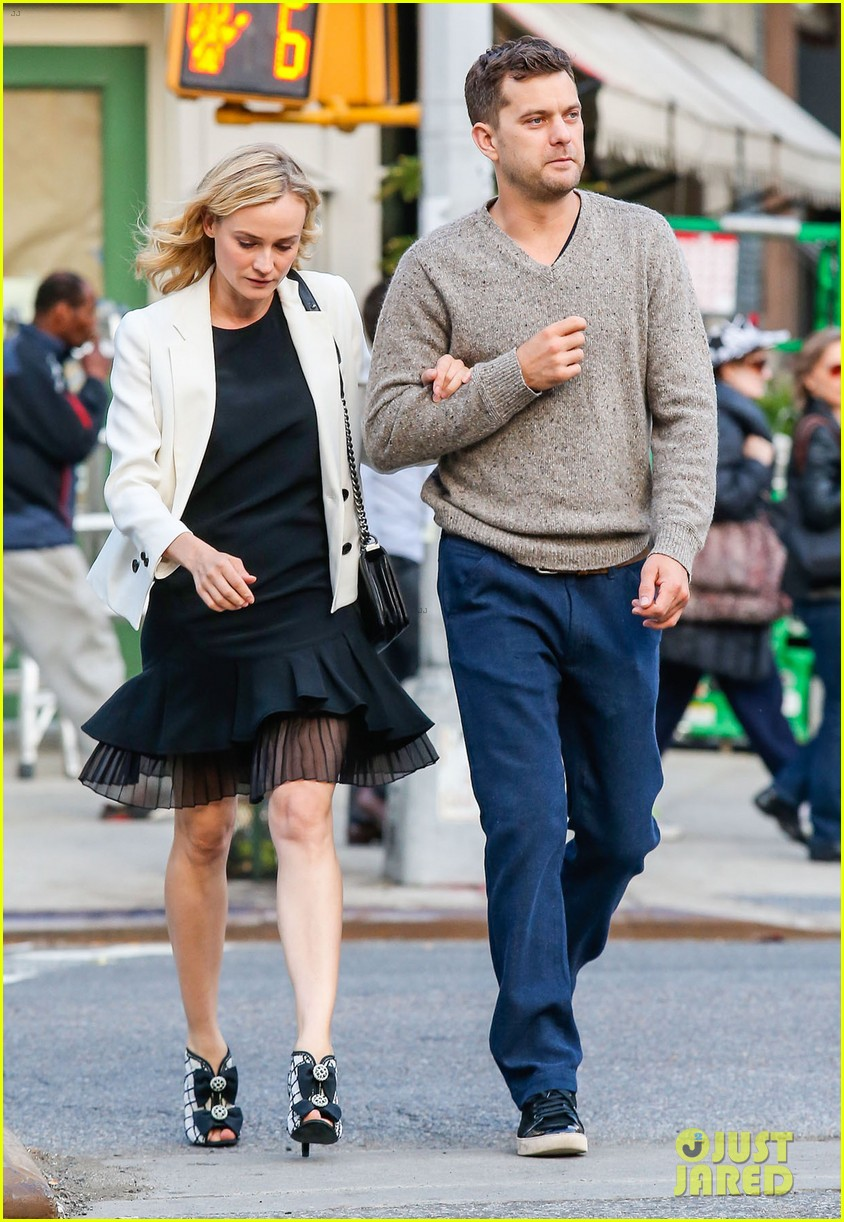joshua jackson diane kruger walk arm in arm in big apple 01