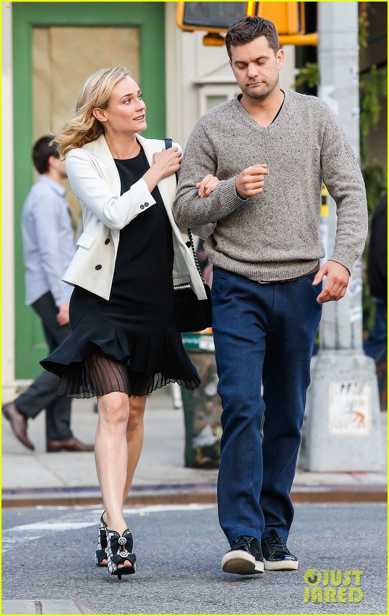 joshua jackson diane kruger walk arm in arm in big apple 05
