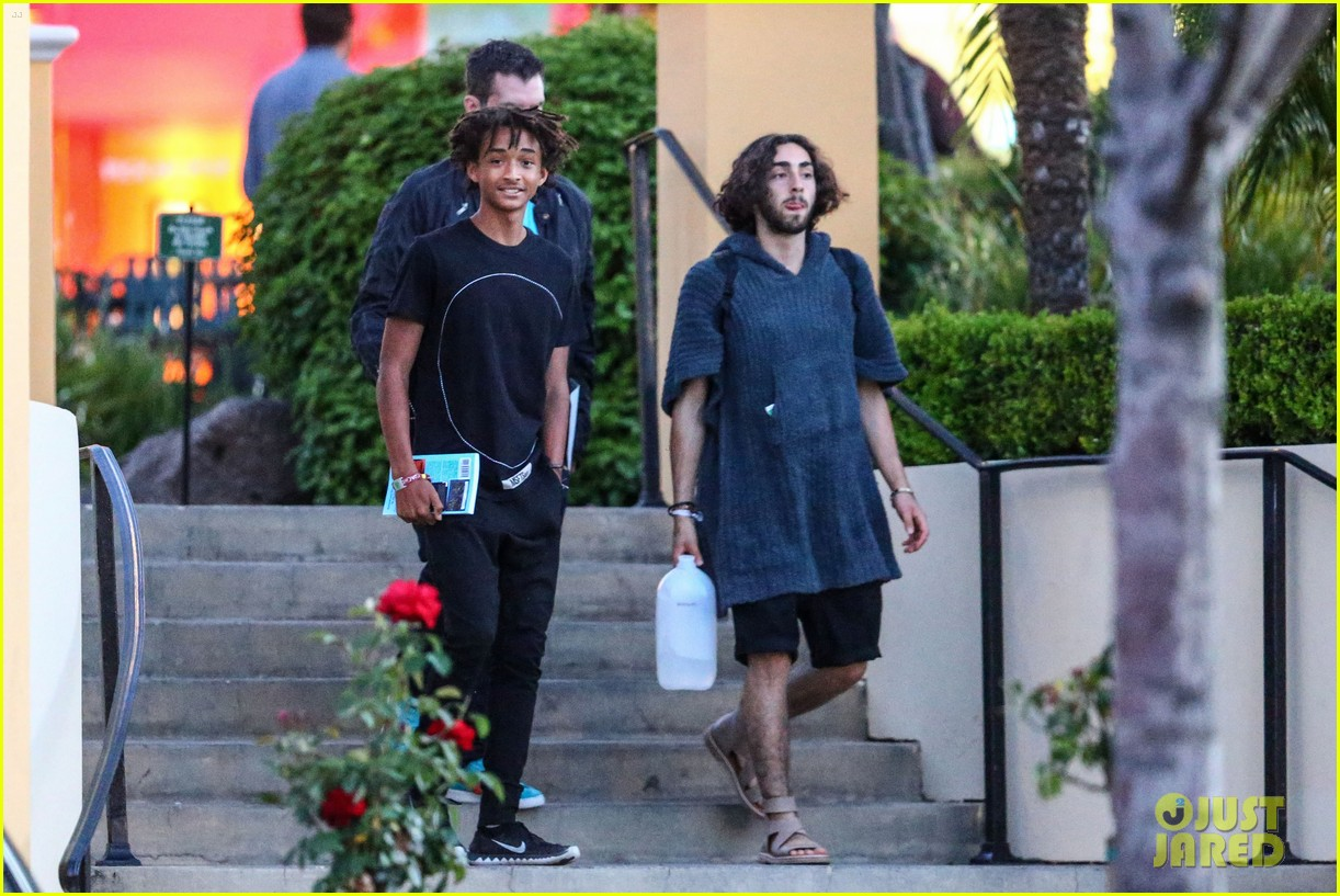 jaden smiths dad will smith helps fan announce pregnancy 07