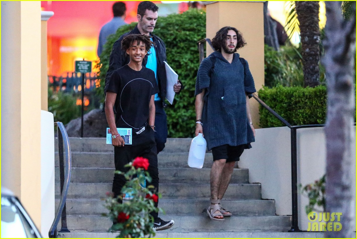 jaden smiths dad will smith helps fan announce pregnancy 11