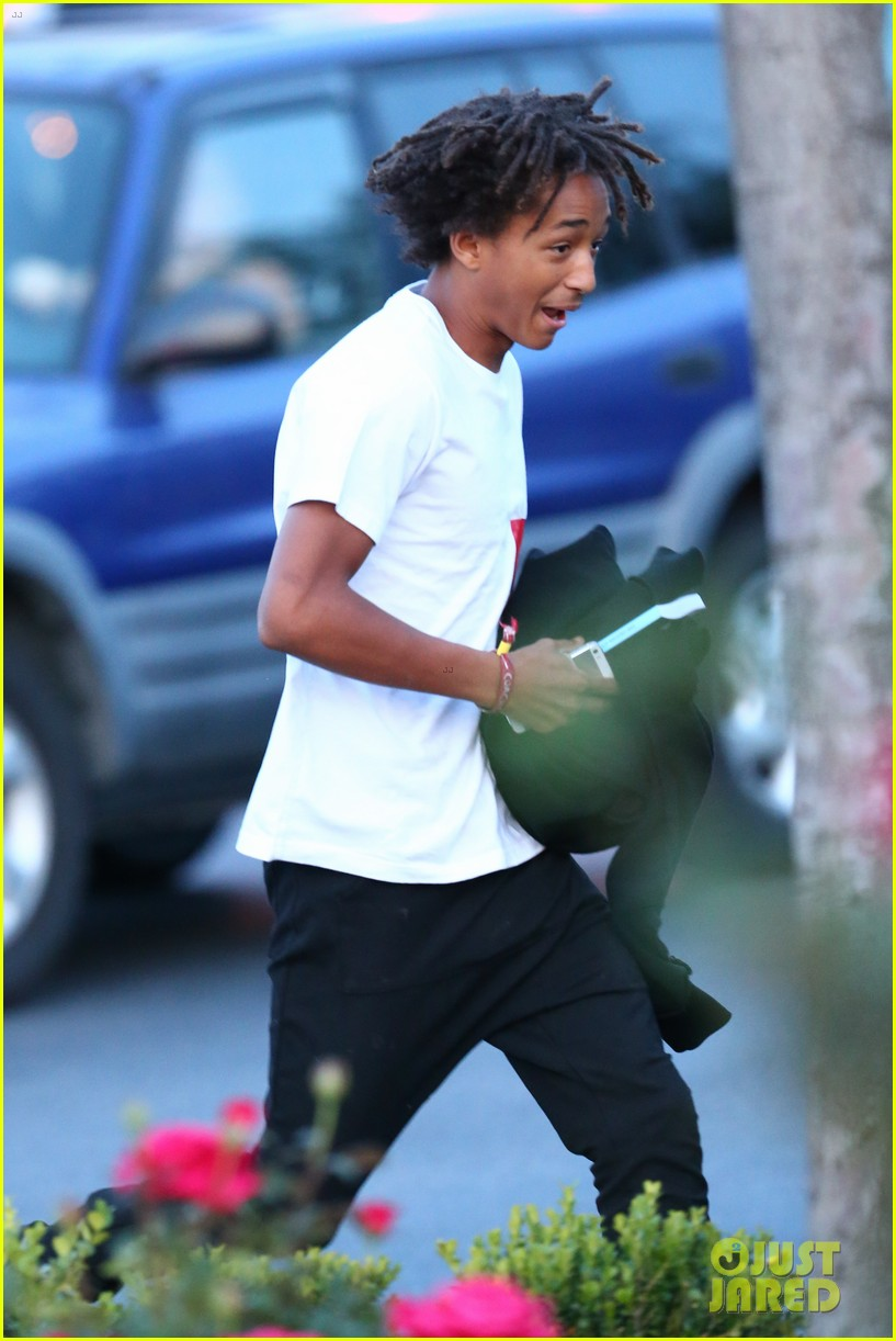 jaden smith sugarfish sushi weekend friends 043117243