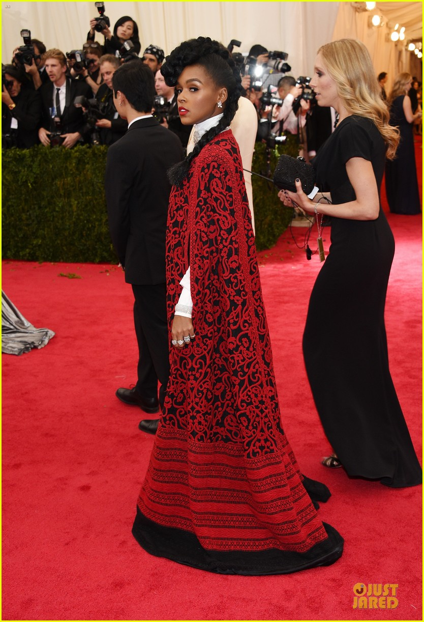 janelle monae devilish red met ball 2014 033106357