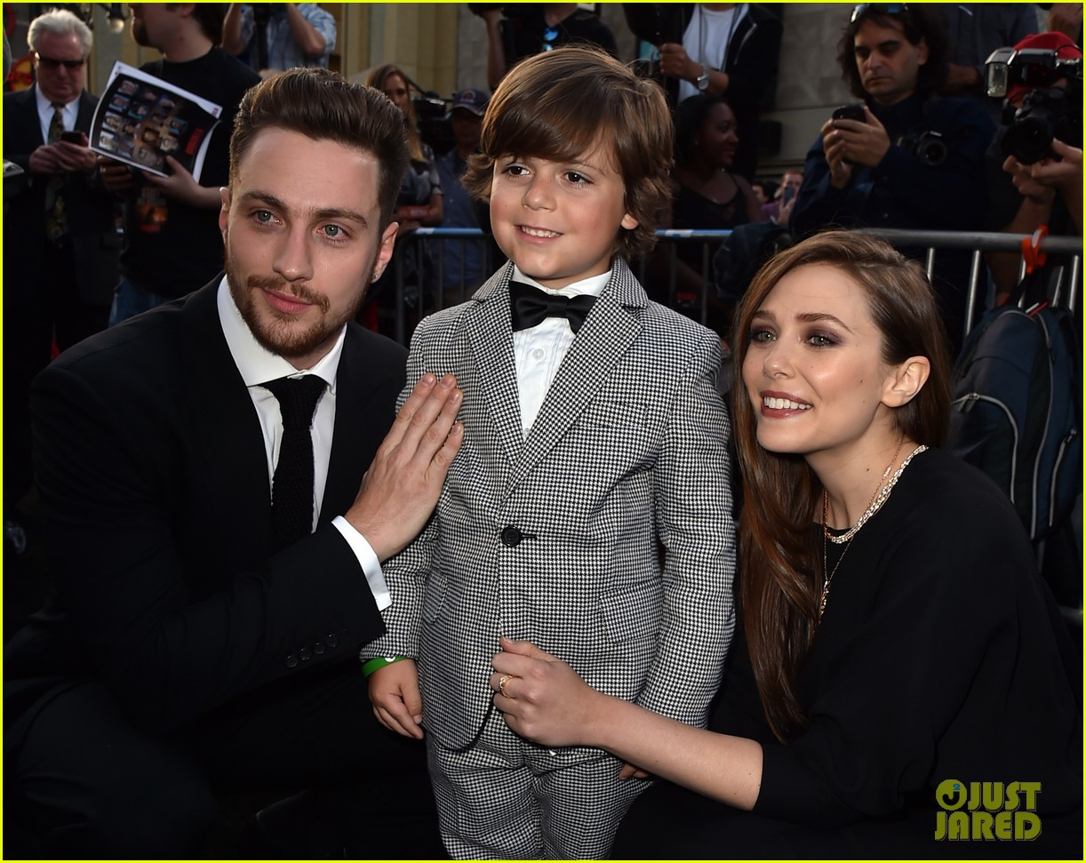 aaron taylor johnson brings wife sam to godzilla premiere 10