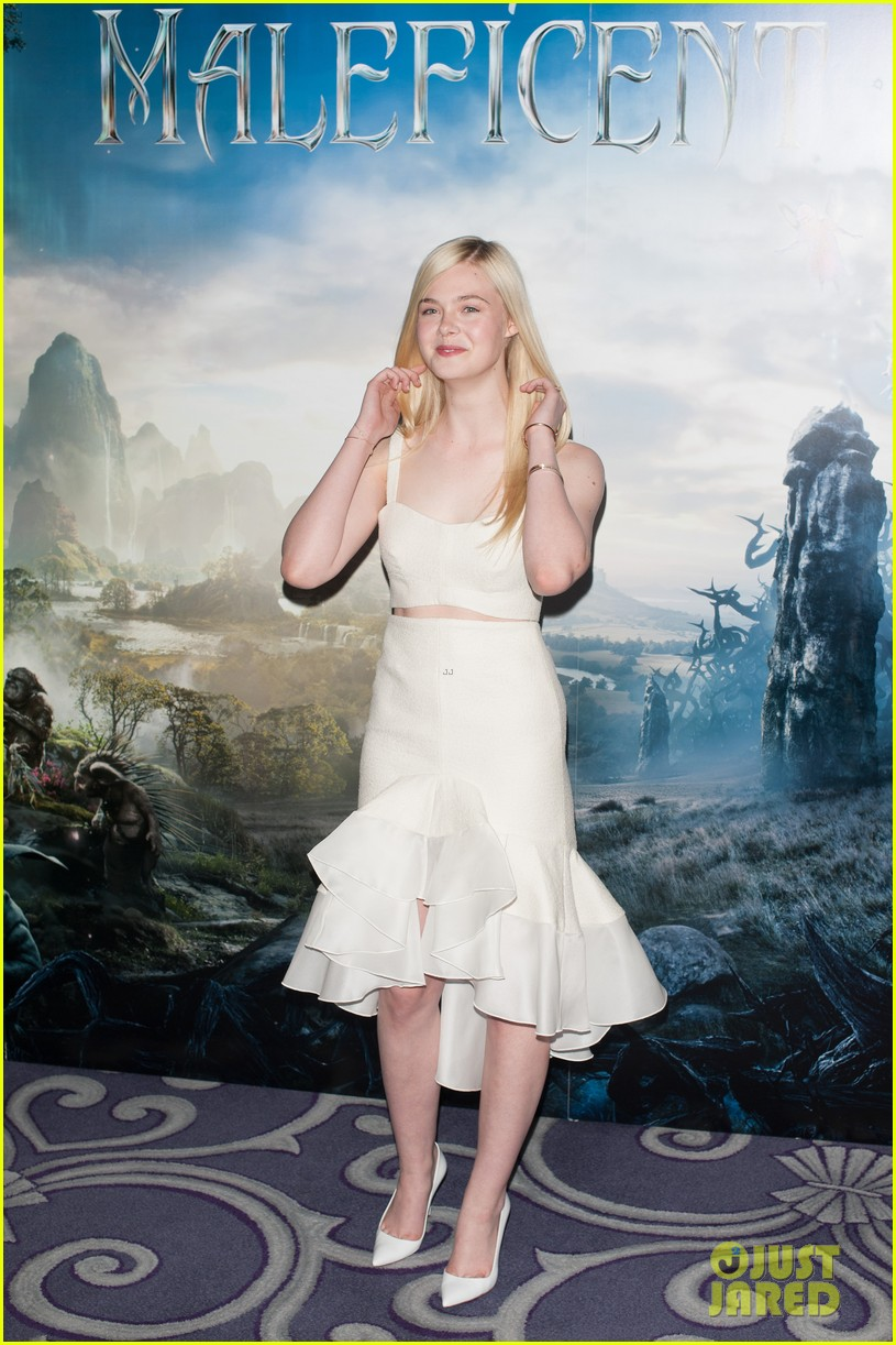 angelina jolie elle fanning are lovely in white at maleficent london 01
