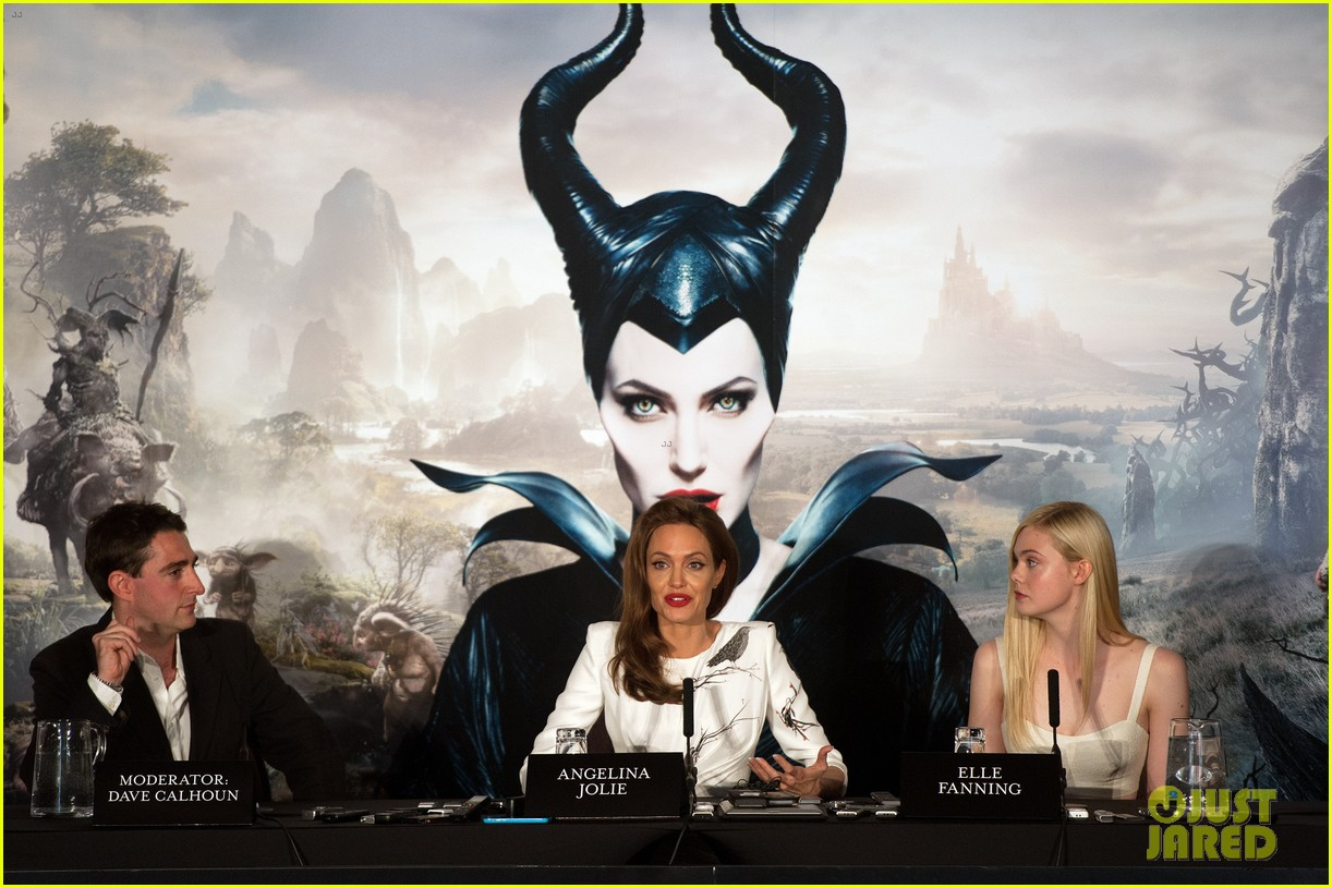angelina jolie elle fanning are lovely in white at maleficent london 05