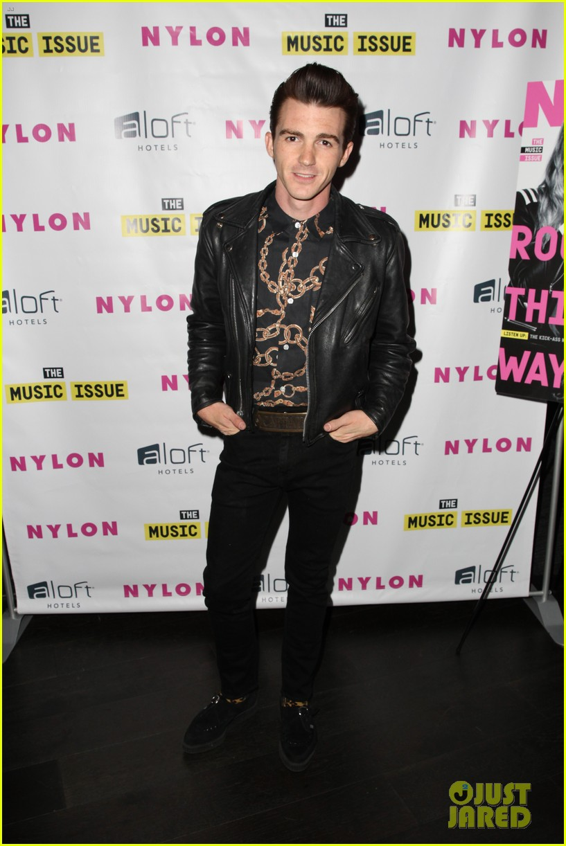victoria justice joins joe jonas at nylons music issue party 12