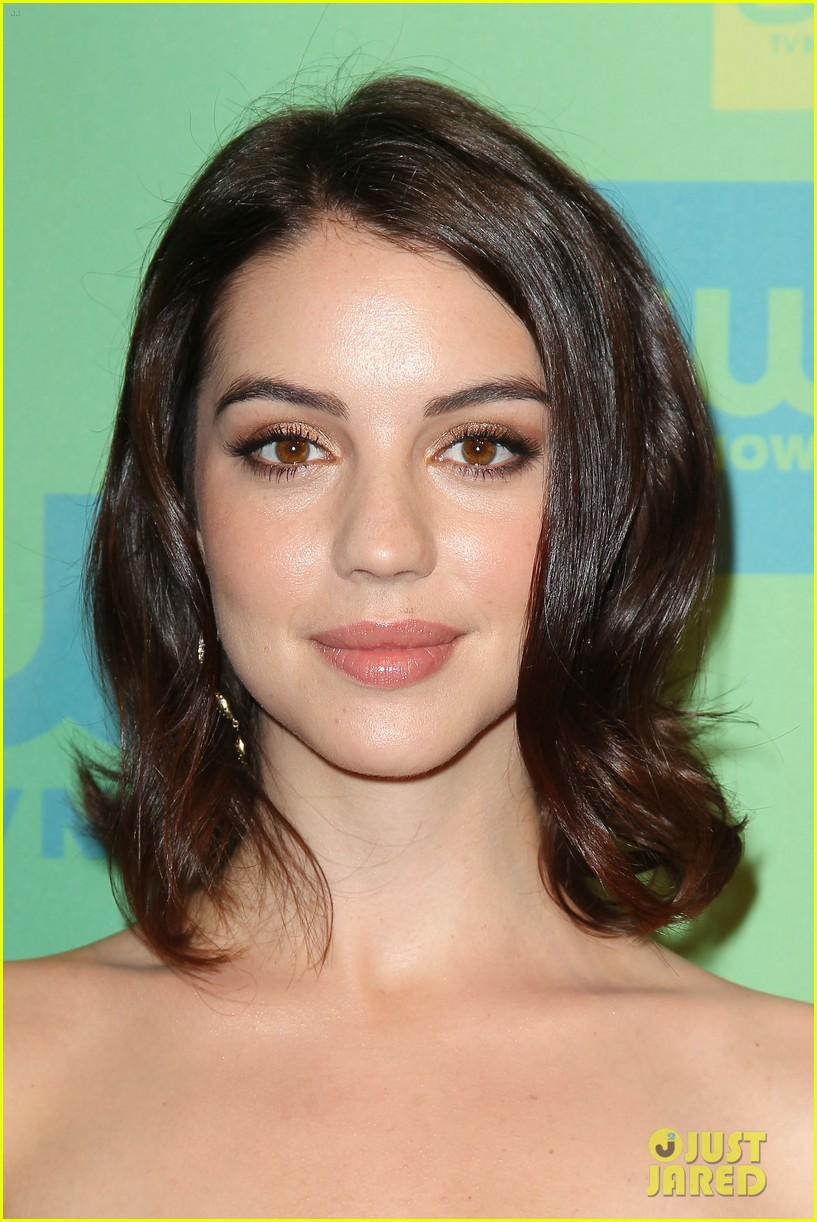 adelaide kane reigns supreme at cw upfront 2014 043114161