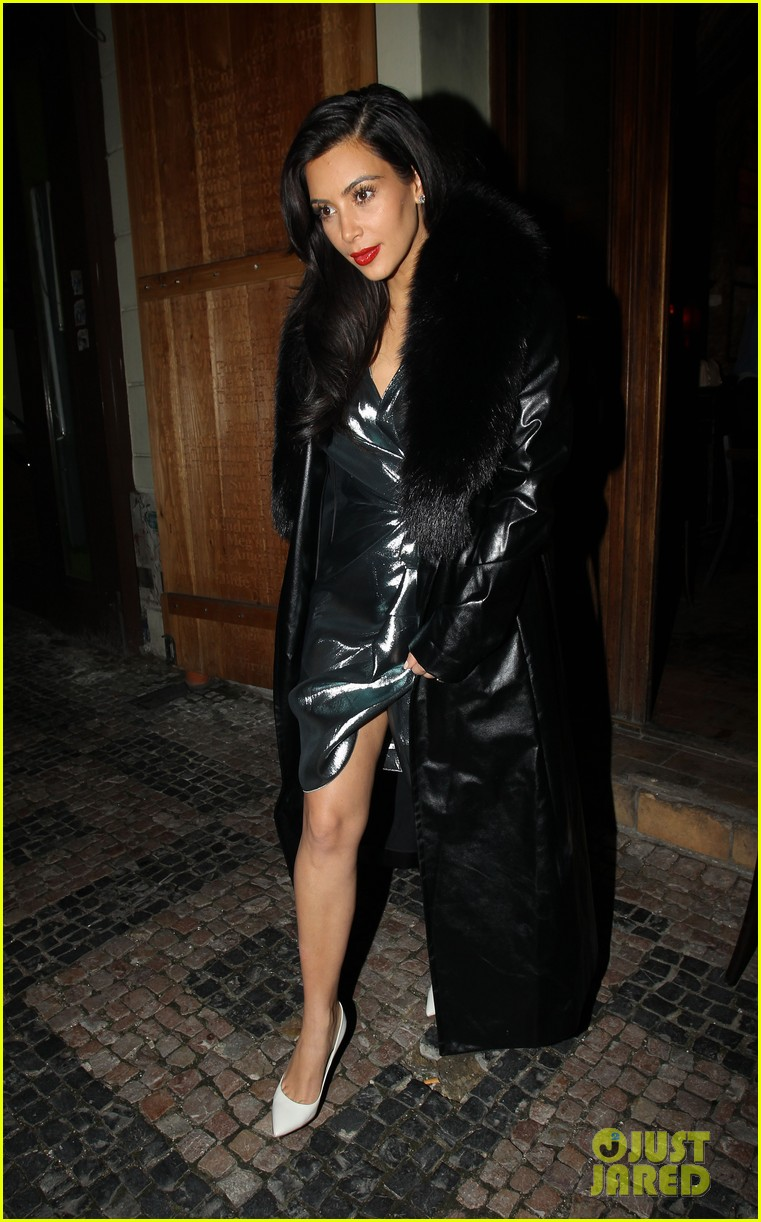 kim kardashian wears flashy dress for honeymoon date night 123124754