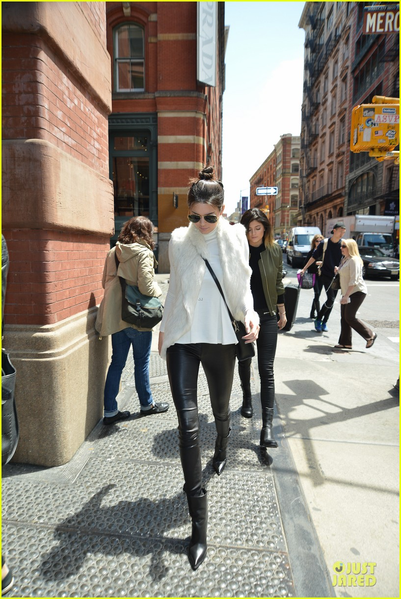 kendall kylie jenner boots in soho 01