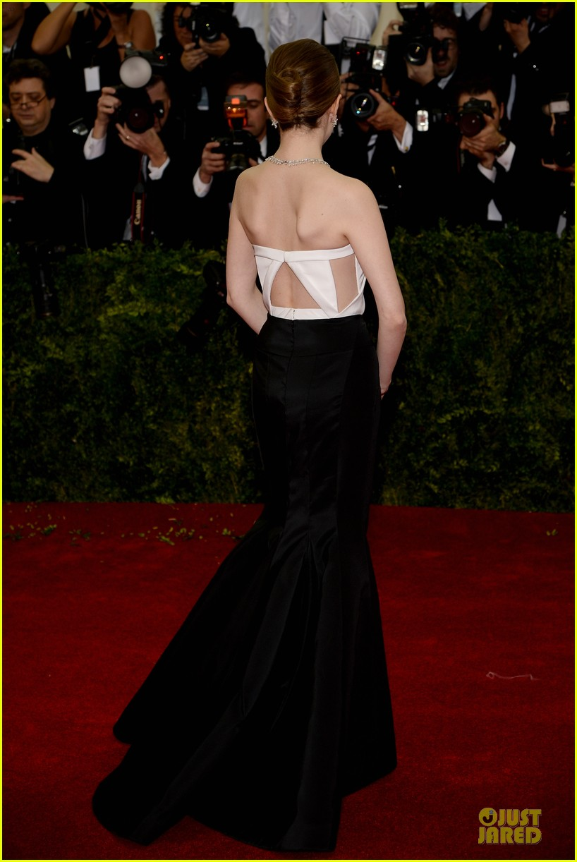 anna kendrick glamour at met ball 2014 03