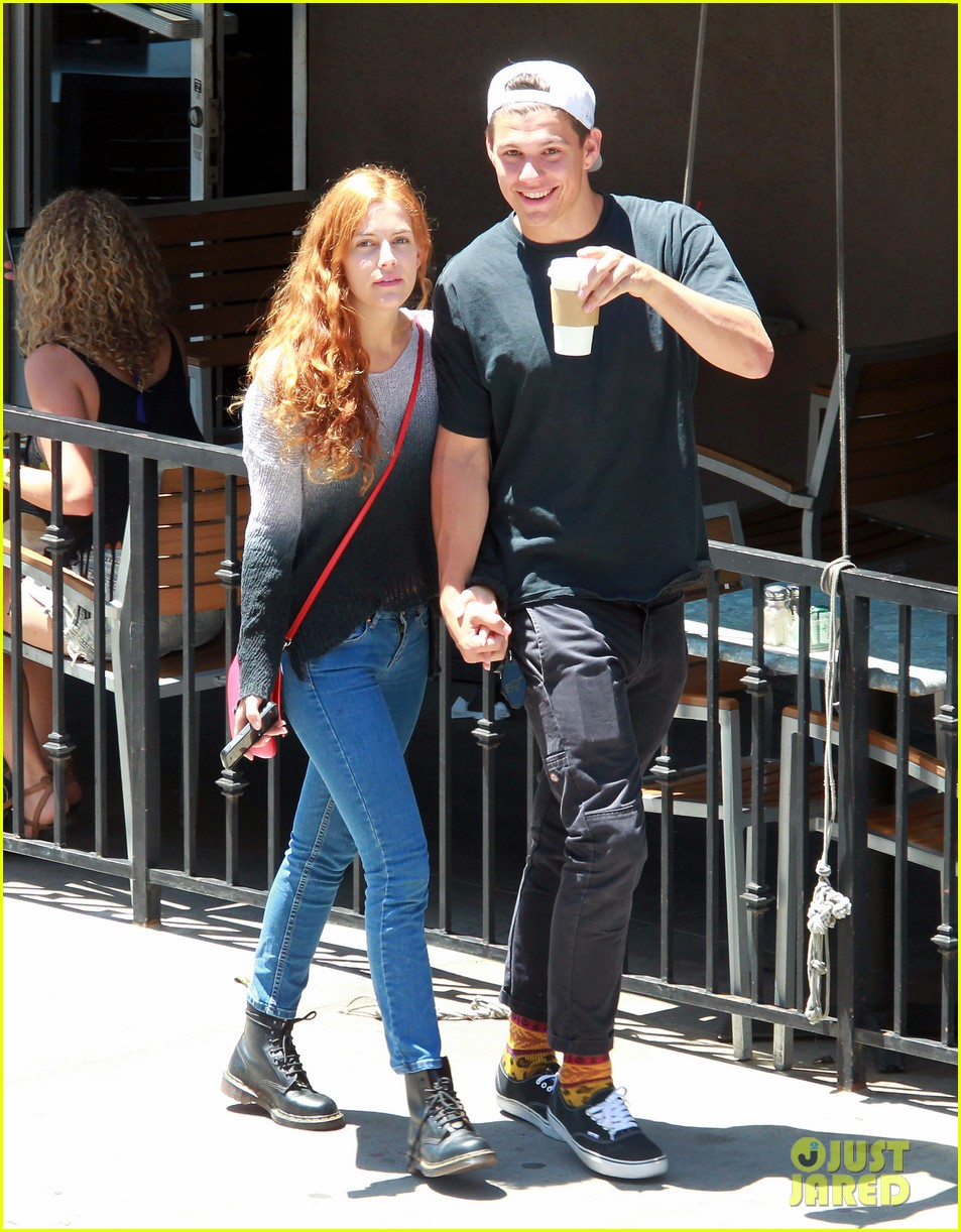 riley keough ben smith petersen smooch on their day date 01