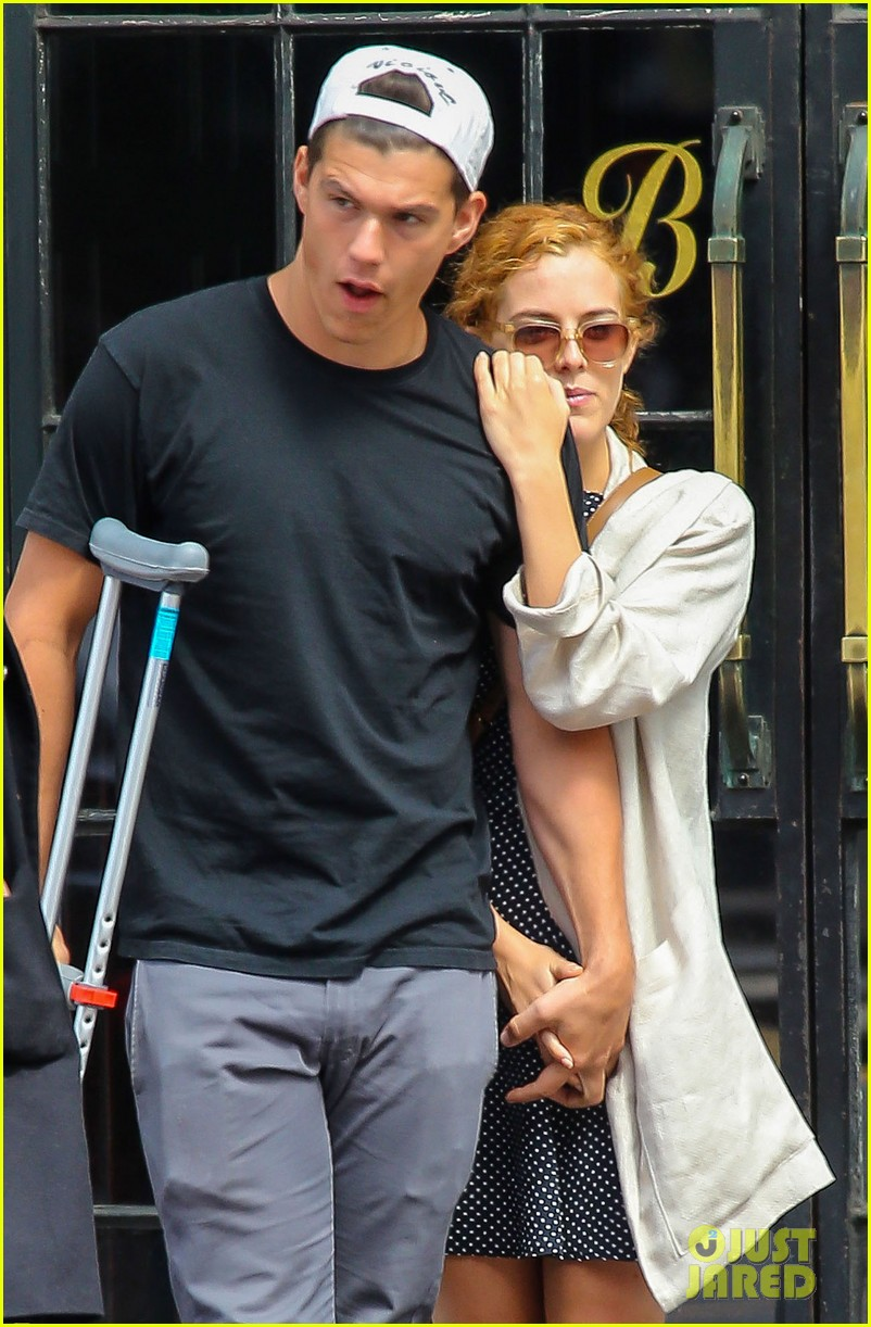 riley keough leans on ben smith petersen in nyc 043108640