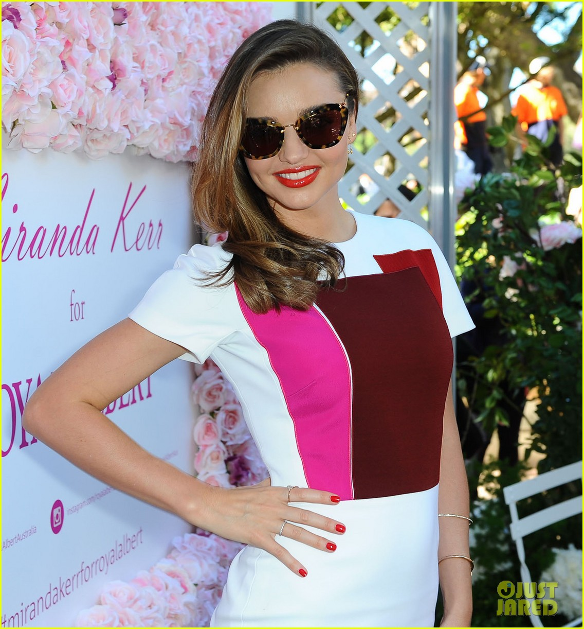 miranda kerr rocks two chic looks to promote her teaware 043114744