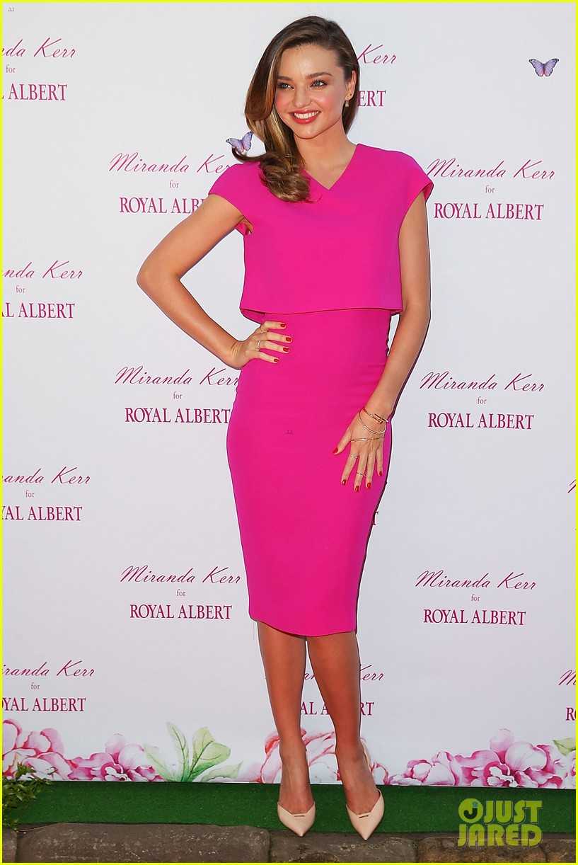 miranda kerr rocks two chic looks to promote her teaware 06