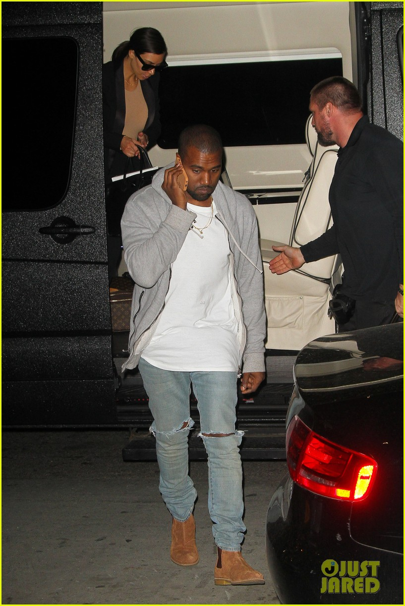 kim kardashian kanye west arrive in nyc after wedding rumors 16