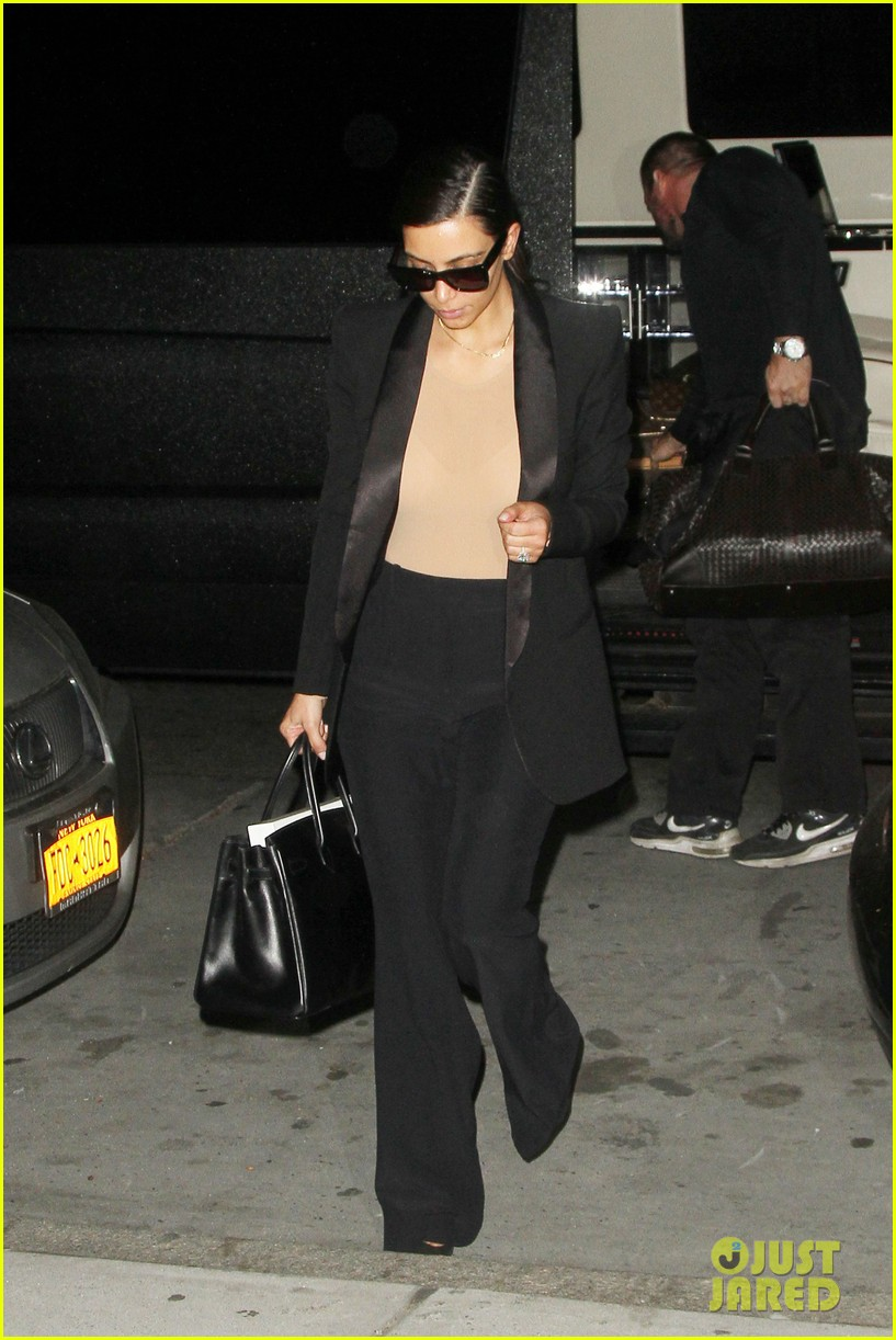 kim kardashian kanye west arrive in nyc after wedding rumors 26